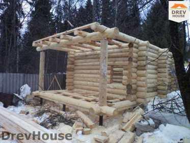 Строительство сруба дома из бревна в поселке Ченцы   фаза 3